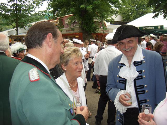 http://www.ibsv-zweite.de/fileadmin/2._Kompanie/Bilder/Schuetzenfest_2005/Schuetzenfest_2005-gross/Schuetzenfest_05_003.jpg